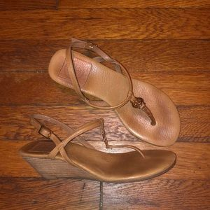 Tory Burch brown leather t-strap sandals wedge 5 m